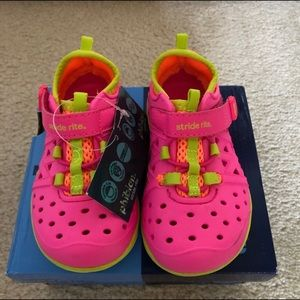 Adorable Stride Rite Sneaker/Sandal/Water Shoe